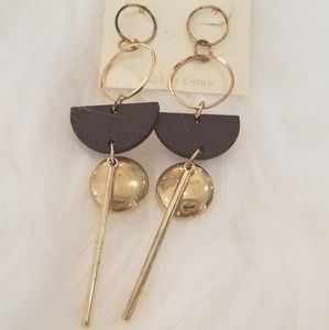 Jewelry - Dark brown wood gold toned metal earrings